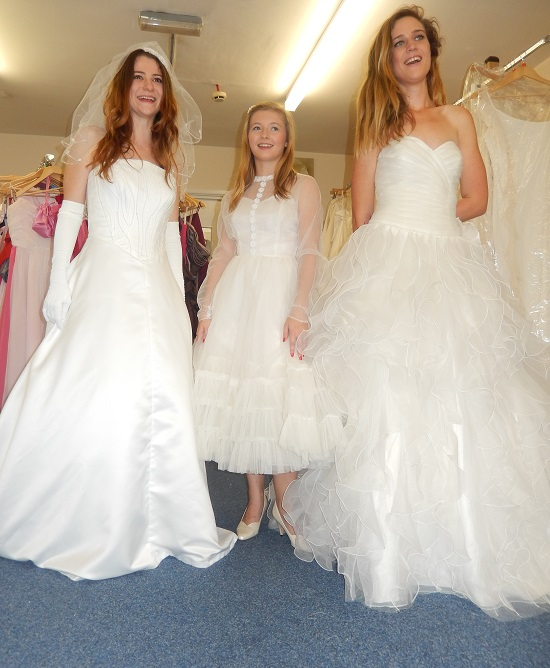 Tenovus' bridal outfits